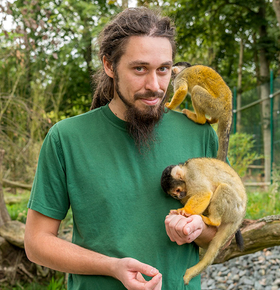 Zootierpflegerin und Zootierpfleger